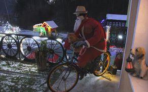 Dobri mož jo je v pravljično deželo primahal s kolesom.