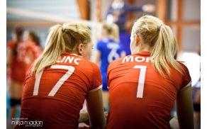 Nuša Ferlinc in Eva Mori odhajata v Turčijo na Evropsko prvenstvo v odbojki. Foto: Mitja Madon