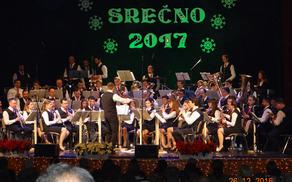 Vljudno vabljeni, da novoletna koncerta, ki bosta tako kot lansko leto, tudi letos dva, in sicer v torek, 26. 12. ob 17h in 19.30 uri.
