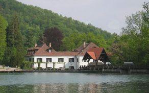 59_1535030502_gradhrib-preddvor-slovenia.jpg