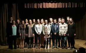 Najboljši mladi pisci ljubezenskih pisem v Sloveniji z vodjo projekta ddr. Miro Delavec Touhami (foto Media butik)