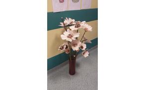 Šopek rož iz lesa narejen na delavnici
