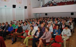 Kulturna dvorana, polna študentov U3