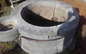 Priprava kamnitega dela vodnjaka v Loki pri Mengšu
