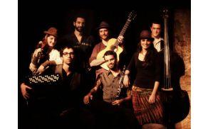 Festival bodo odprli Barcelona Gipsy Klezmer Orchestra.