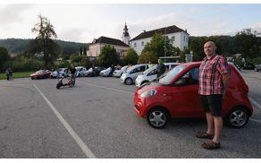 Zero tour 2017 - srečanje lastnikov električnih vozil v STični pred samostanom