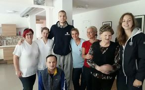 Družinski obisk športnih junakov Jake in Pie Blažiča v DSO Preddvor