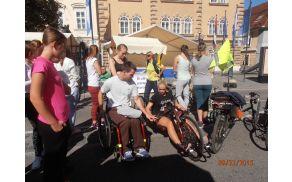 ročno ležeče invalidsko kolo
