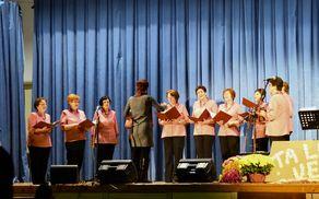 Rovtarska dekleta-ženski pevski zbor DU Rovte