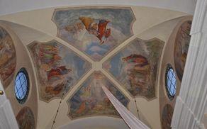 Koželjeva poslikava stropa v prezbiteriju komendske župnijske cerkve sv. Petra
