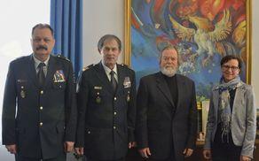 Z leve: brigadir Ernesta Anželj, načelnika Generalštaba Slovenske vojske generalmajorja dr. Andreja Ostermana, župan Stojan Jakin in direktorica občinske uprave Vesna Kranjc.