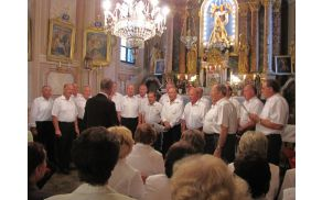Moški pevski zbor na II. Koncertu Marijinih pesmi