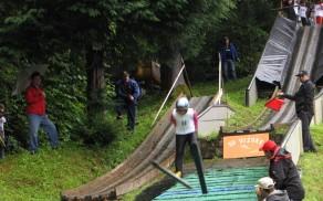 Brez strahu v globino skakalnice