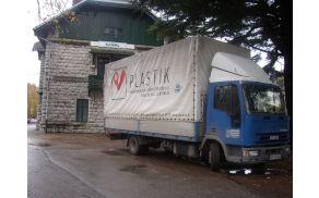 Drugo največje podjetje v občini zaposluje 76 delavcev, od njega je odvisnih več kot 300 dobaviteljev. Foto: Nataša Bucik Ozebek