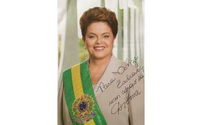 Najbolj mu je pri srcu podpis domačega predsednika Boruta Pahorja, a v njegov nabiralnik je med drugim prispela tudi fotografija s podpisom brazilske predsednice Dilme Rousseff. Seznam prispelih fotografij s podpisi si lahko ogledate na njegovi facebook strani. Mogoče mu lahko pomagate celo do tako iskanih podpisov voditeljev največjih svetovnih držav.