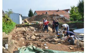 Pogled na delo na izkopavanjih (foto N. Dolinar).