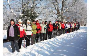 Soooonce, snežna belina in nasmejani pohodniki