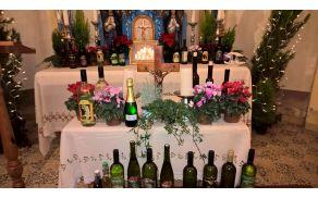 Blagoslov vina v cerkvi sv. Tomaža
