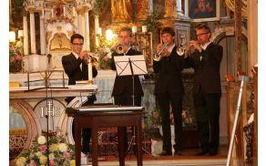 Filip (prvi z leve) v družinskem kvartetu (foto: Edi Fidler)