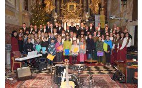 Mešani cerkveni zbor sv. Lenarta in otroški pevski zbor iz Nove Cerkve