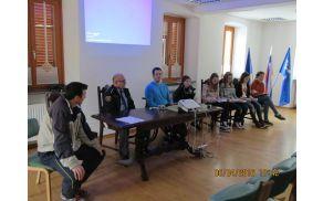 Učenci so prisluhnili predavanju zavoda Še vedno vozim a ne hodim. Foto: Janko Volarič