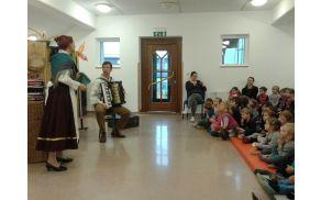 Predstava Stara dedkova harmonika