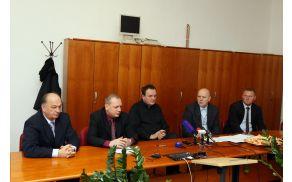 z leve: Benedikt Podergajs, Marko Zidanšek, Franc Zdolšek, Martin Brecl in Miran Jurkošek (foto: Sherpa)