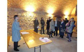 Udeleženci simpozija pri Sveti Trojici v Slovenskih goricah (foto: Milena Grabušnik)