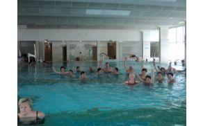 Skupinska telovadba članov  AI Pameče v bazenu