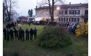 Spominska slovesnost ob 70-letnici požiga in bombardiranja Mirna