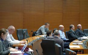 Direktor Bogdan Kronovšek na predstavitvi mnenj