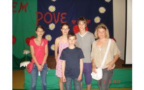 Naši pesniki Miša, Tjaša, Marcel, Tim in Blažka