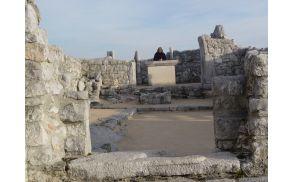 Ostanki cerkvice sv. Valentina na sabotinu