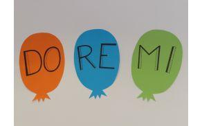 Revijo otroških pevskih zborov smo poimenovali DO RE MI.