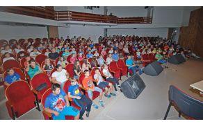 Številno občinstvo