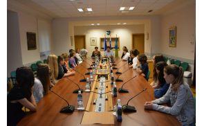 Najboljši učenci OŠ Ivana Roba Šempeter pri Gorici na sprejem 16. junija.