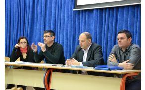 Z leve proti desni: Urška Marolt, na občini odgovorna za MKČN, župan Janko Jazbec ter predstavnika Vo-Ke Boštjan Mišmaš in Gregor Grum