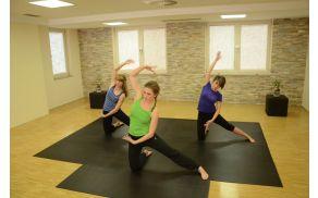 Jasna Žerjav na snemanju vadbe pilatesa za oddajo Dobro jutro.