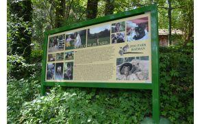 Nova tabla pri vhodu, ki pripoveduje zgodbo nastanku ZOO parka.