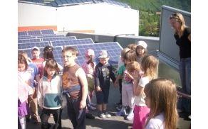 Ogled solarnih celic na strehi