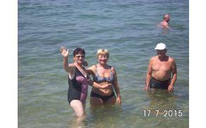 pozdrav domačim in dokaz da se je kopala v morju