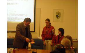 Luč miru v rokah preddvorskega župana Mirana Zadnikarja