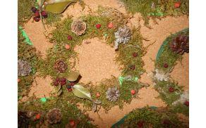 Venčki iz gozdnega materiala, učenci likovnega krožka mentorice Silve Rizmal