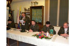 Starešina je s pozdravnim govorom pričel 70 jubilejni občni zbor