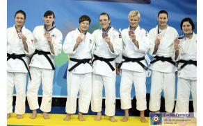Manja Kropf bronasta s Slovensko žensko ekipo na EP 2014 (Foto: http://www.eju.net/media/)