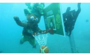 Lipko pod vodo
