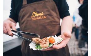 Okusi Radol'ce razvajajo z lokalno hrano.