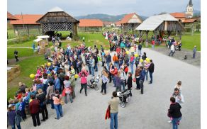Festival je tekom dneva obiskalo več kot dva tisoč obiskovalcev