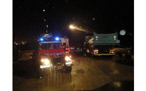 Gasilci so razdelili in namestili več kot 5000 vreč. Foto: CZ severne Primorske