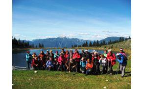 Pri Treh plotih s Kamniško - Savinjskimi Alpami v ozadju